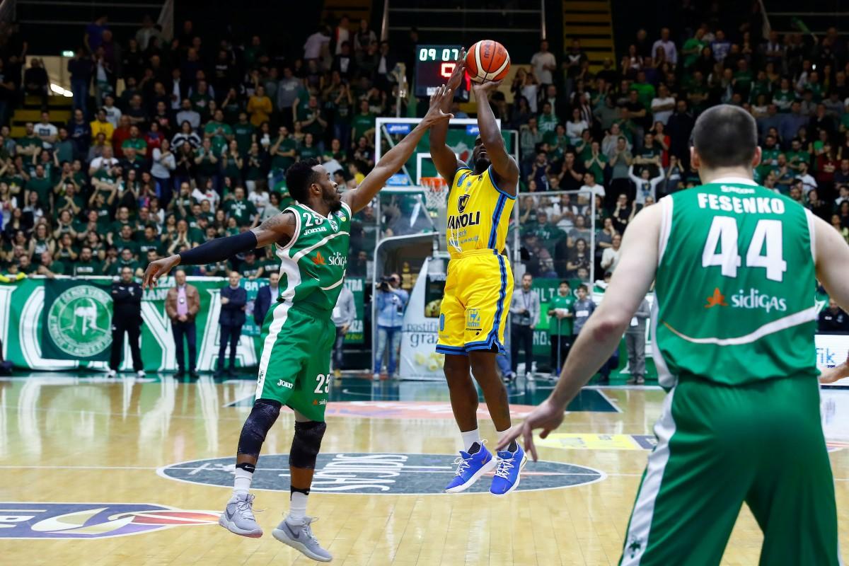 Legabasket: Avellino domina Cremona e torna al successo