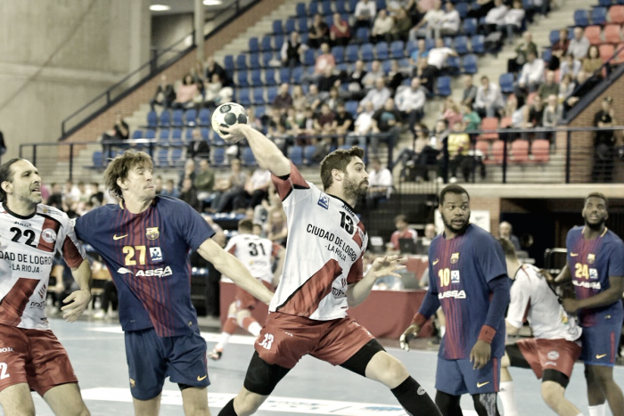 El Barcelona suma y sigue ante un Logroño peleón
