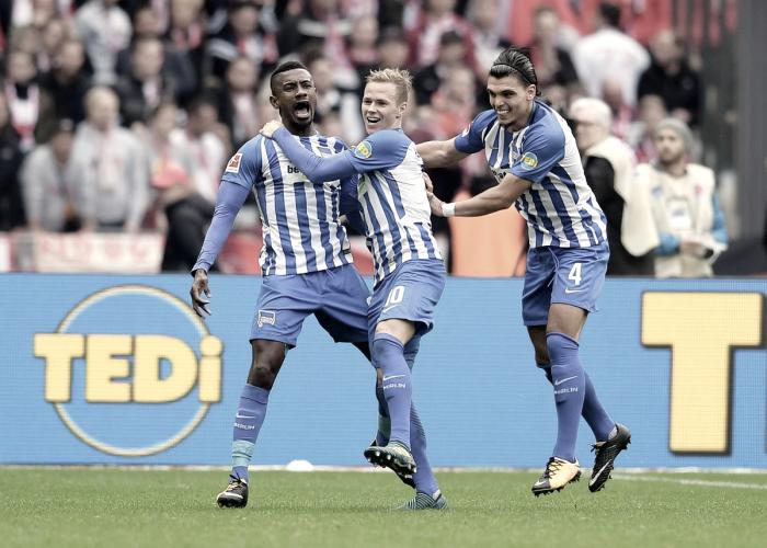 Bundesliga 2017/18 - Duda e Kalou rispondono a Hummels e Lewandowski. Il Bayern pareggia 2-2 a Berlino