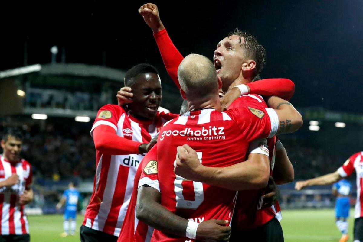 Eredivisie: il PSV comanda dopo tre giornate, notte fonda per il PEC Zwolle