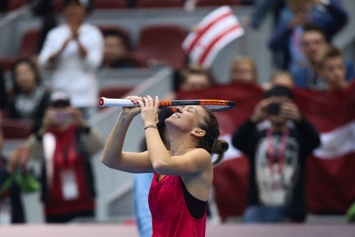 WTA Finals - Halep in palla, la Garcia si arrende