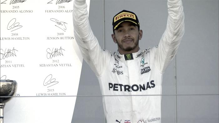 Hamilton gana en Suzuka y consigue mediomundial
