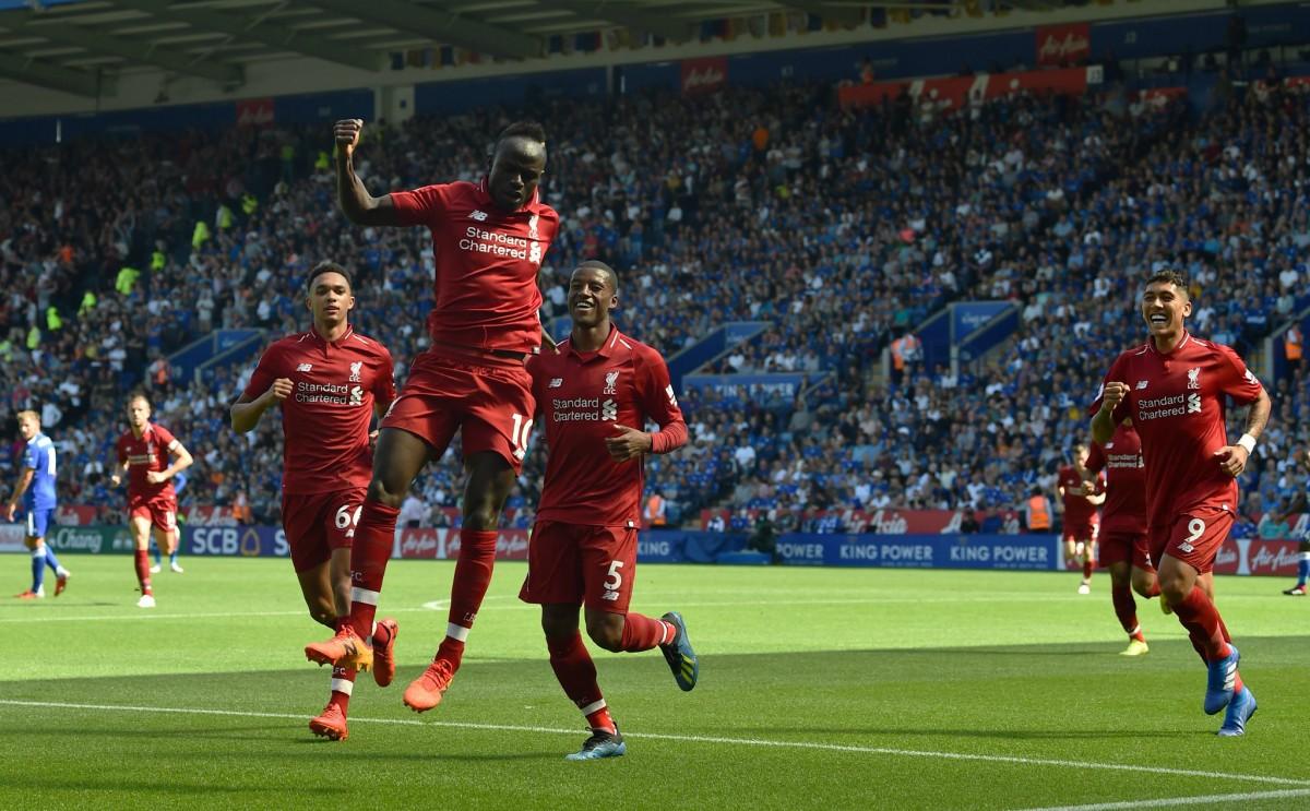 Premier - Il Liverpool vince nonostante l'harakiri di Alisson: con il Leicester decidono Mané e Firmino (1-2)