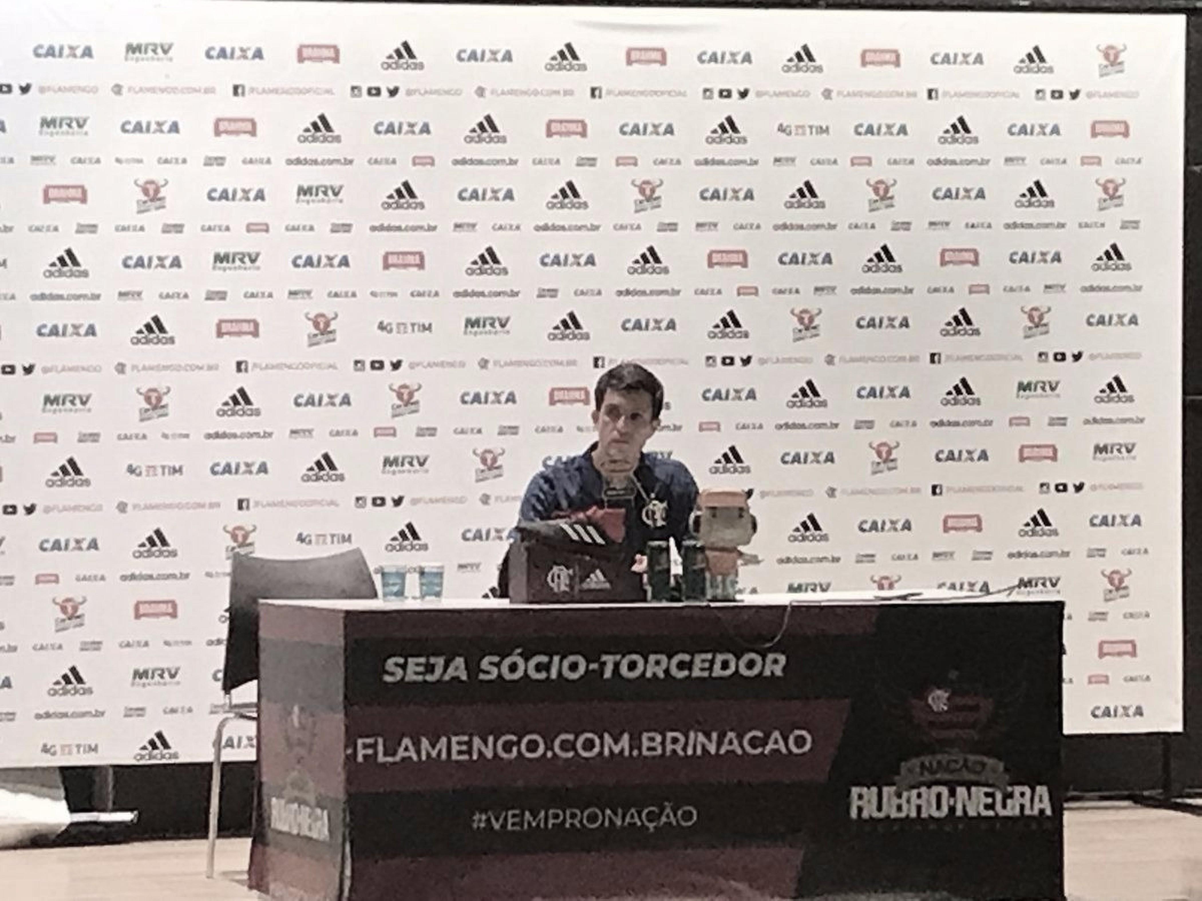 """Maurício Barbieri comemora reencontro com a vitória e critica CBF: """"Contraditória e incoerente"""""""