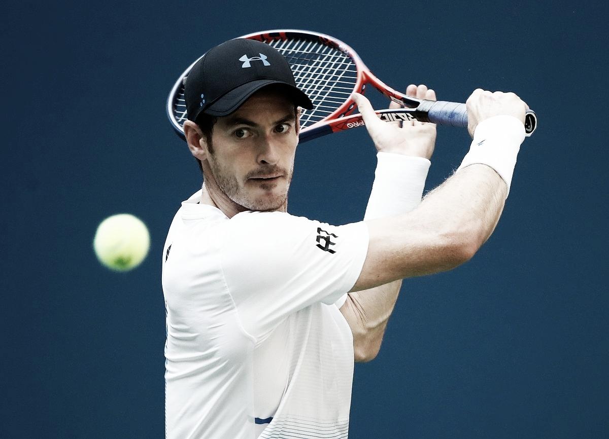 Andy Murray avanza en Shenzhen