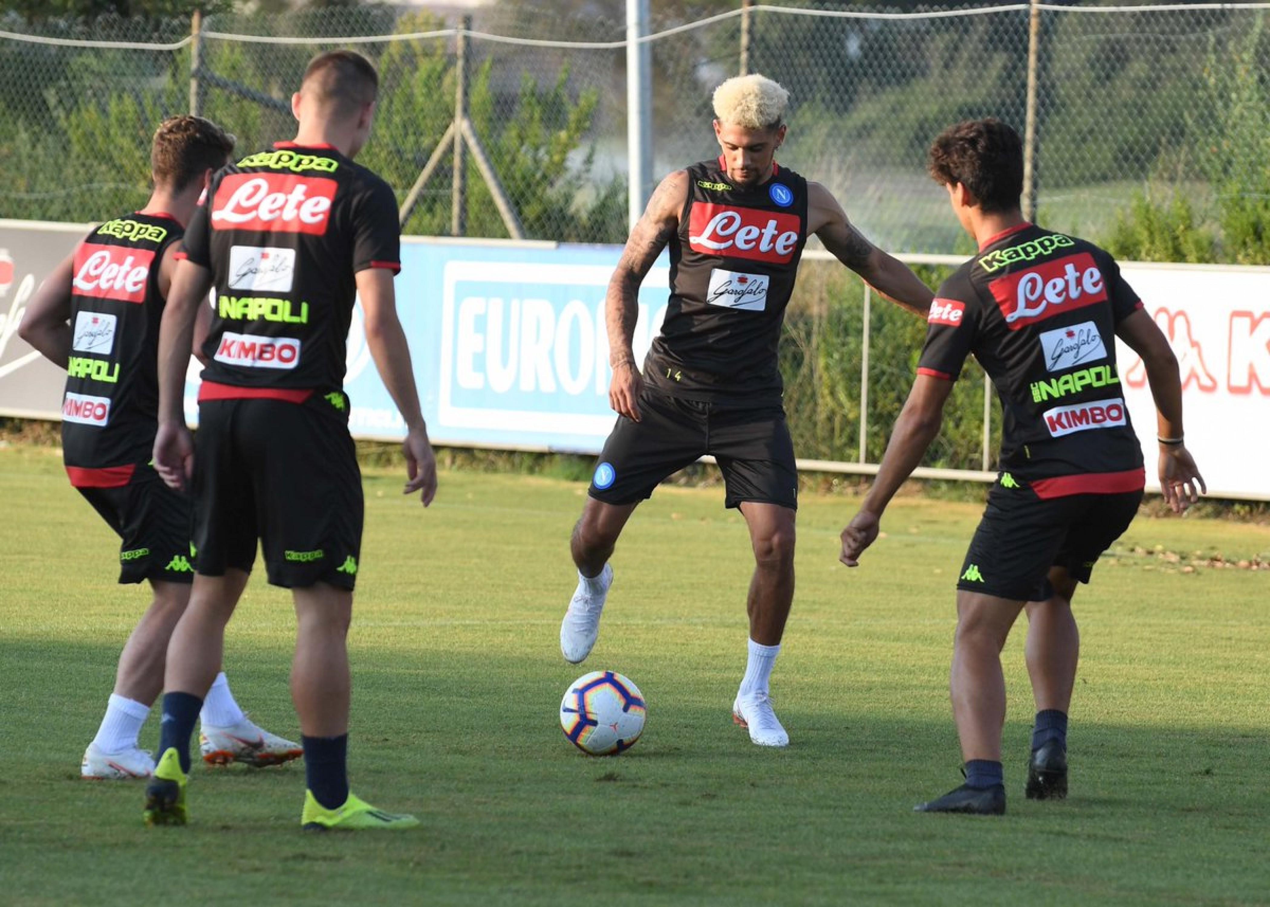 Napoli - Fiorentina: gli azzurri per il riscatto, i viola per continuare a stupire