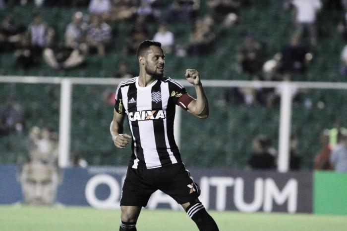Figueirense vence CRB com facilidade e respira na luta contra rebaixamento