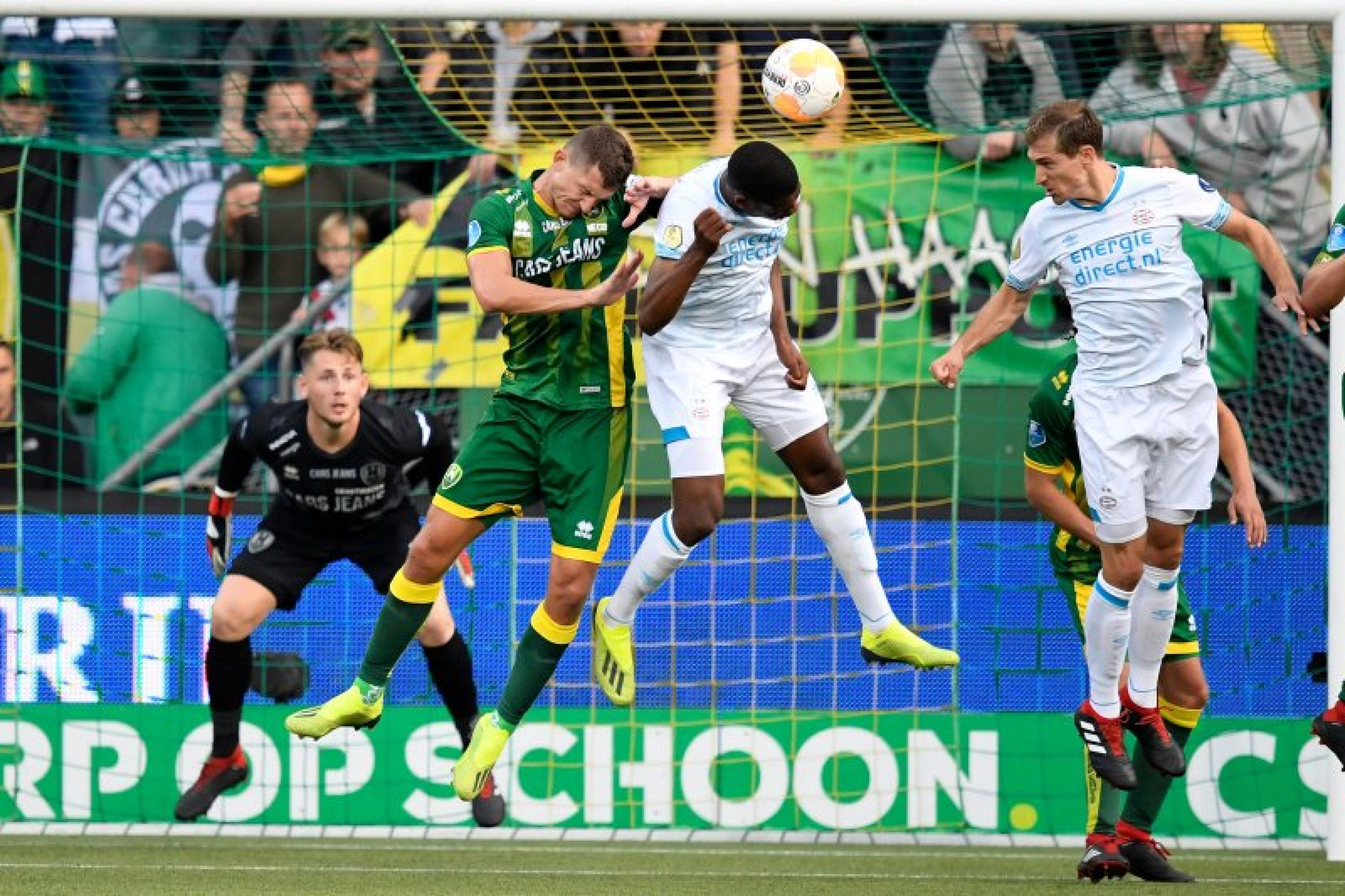 Eredivisie: PSV ed Ajax staccano le inseguitrici, male Zwolle e Groningen