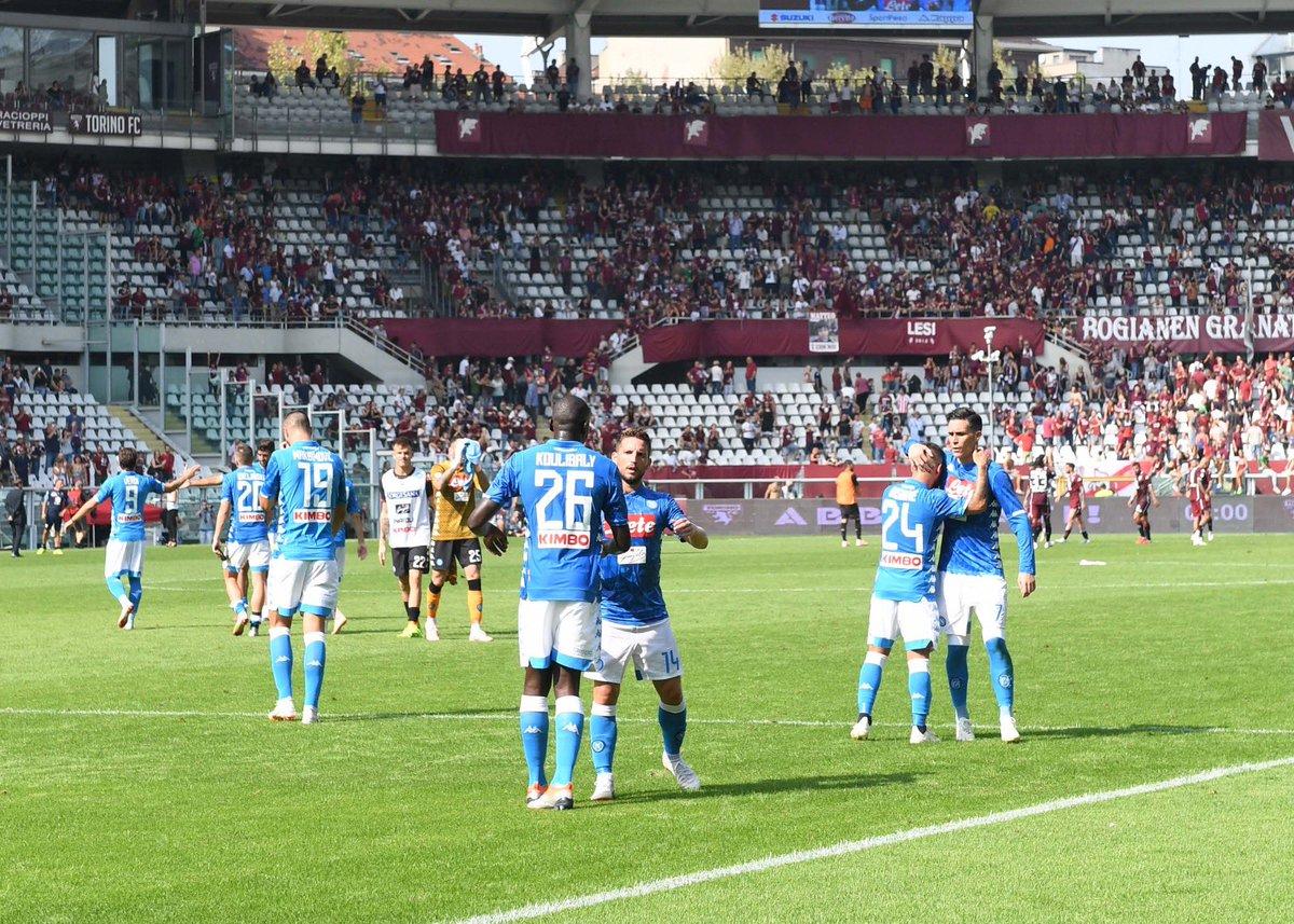 Il Napoli ospita il Parma: gli azzurri vogliono tenere la scia della Juventus