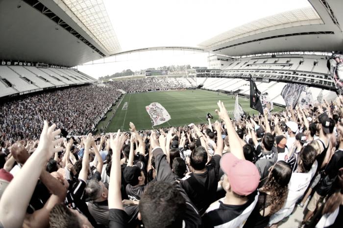 Em treino com cara de jogo, Fábio Carille define time para o clássico contra Palmeiras