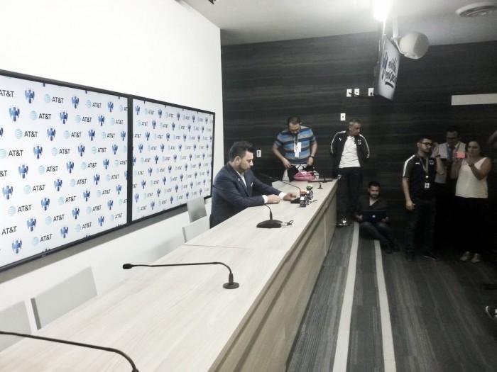 """Antonio Mohamed: """"Los árbitros tendrían que ser un poco más rigurosos con la gente que provoca a la afición"""""""