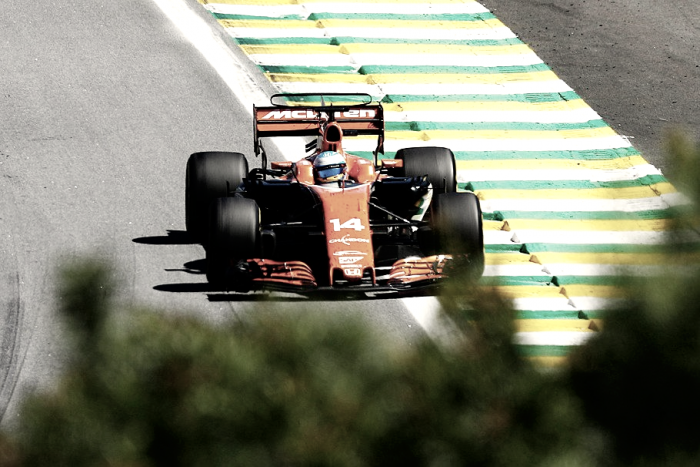 """Fernando Alonso: """"El déficit de potencia es bastante preocupante para Toro Rosso"""""""