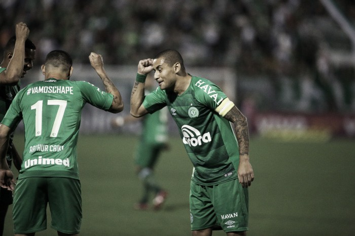 Chapecoense vence Santos na Arena Condá e se afasta do Z-4