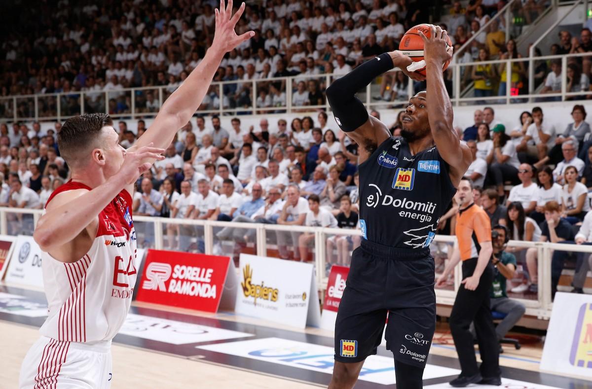 Legabasket Serie A: Trento- Milano, gara 4 per dare un indirizzo alla serie
