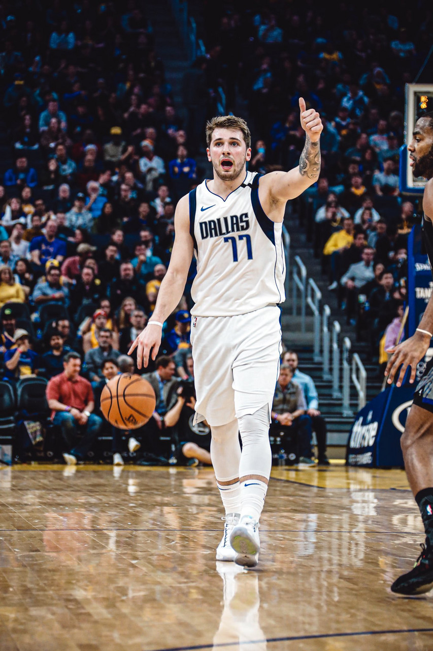 NBA- I Mavs volano a Sacramento, gli Heat ospitano gli Spurs