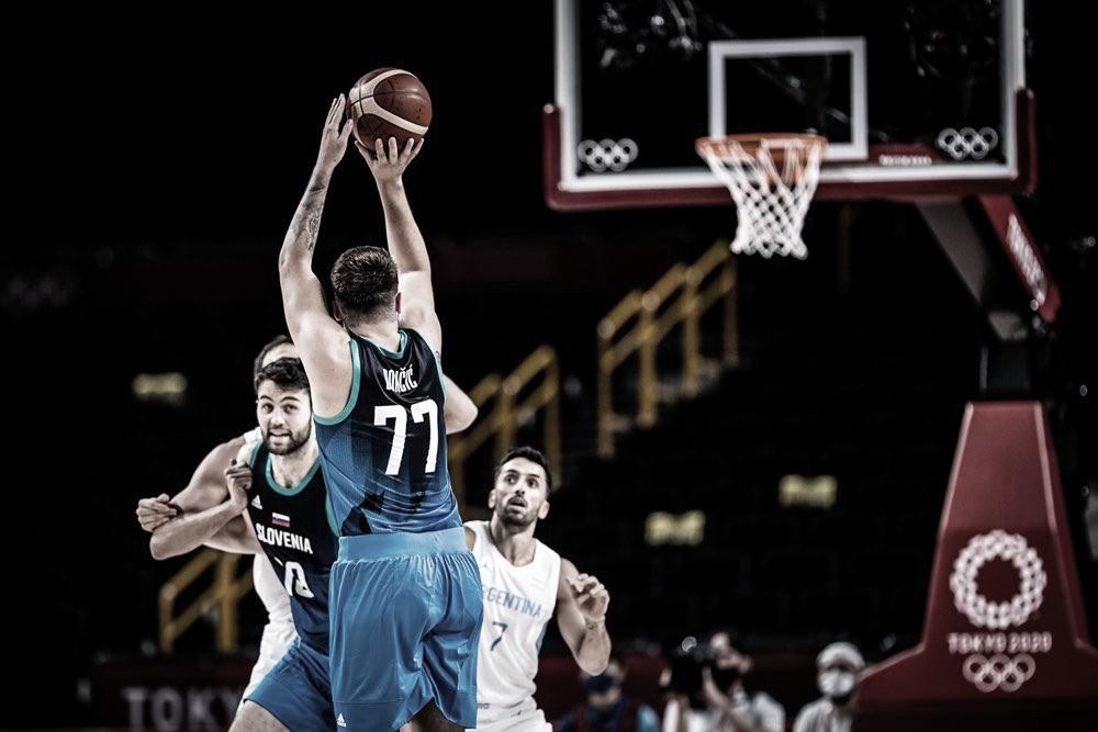 Luka Doncic dio clase y Eslovenia aplastó a Argentina