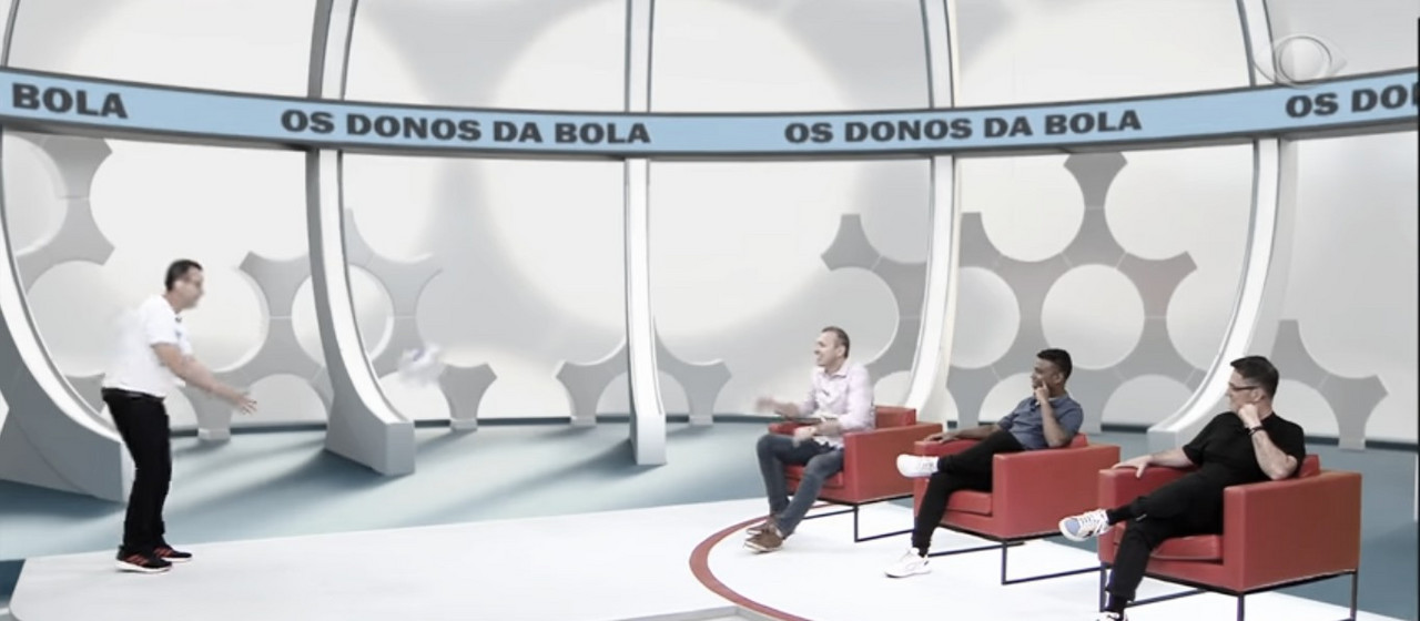 "Integrantes de ""Os Donos da Bola"" atacam Pato e Fernando Diniz"