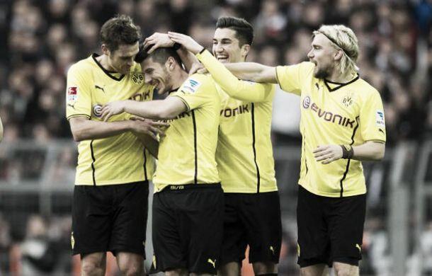 Borussia Dortmund goleia Eintracht Frankfurt pela Bundesliga