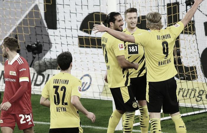 Polémica victoria en Dortmund