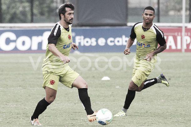 Douglas confessa insatisfação com exibições do Vasco na Série B