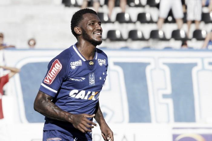 Sem espaço após novos reforços, Douglas Coutinho deve deixar o Cruzeiro