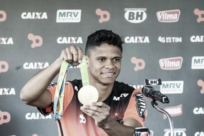Um dos destaques do Atlético-MG, Douglas Santos é vendido ao Hamburgo