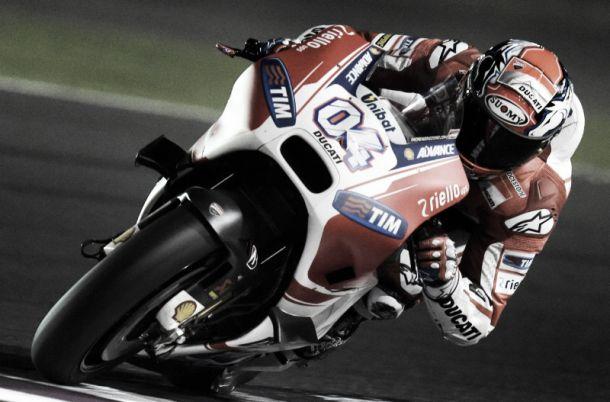 Ducati mantiene su idilio en la noche qatarí