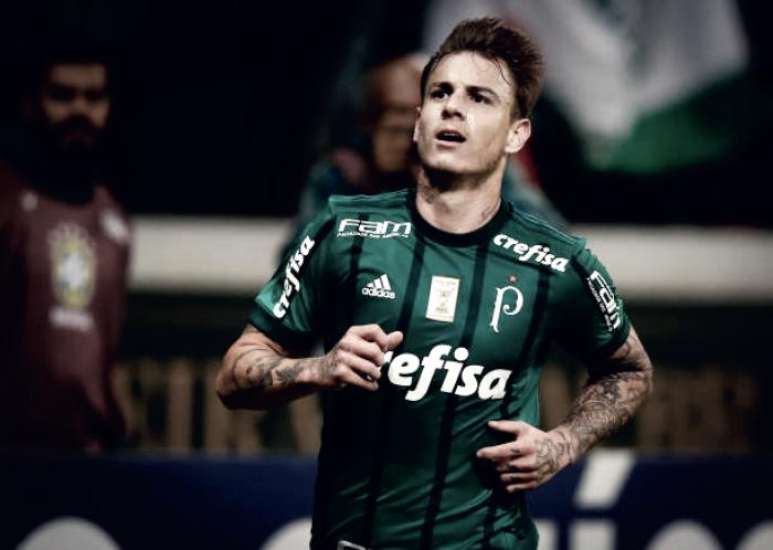 """Róger Guedes almeja retomar bom futebol no Atlético-MG: """"Espero corresponder dentro de campo"""""""