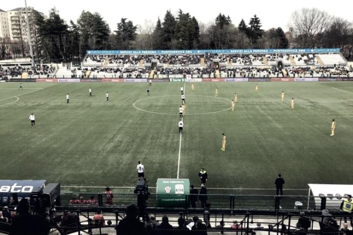 Serie B - Il Verona riprende la Pro Vercelli all'ultimo respiro: 1-1 al Piola