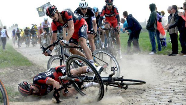 Tour de France 2015, 4° tappa: il gruppo all'esame pavé