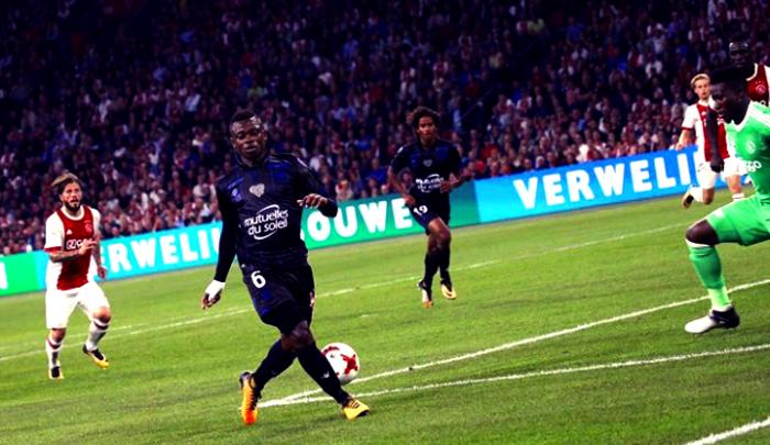 Champions League - Il Nizza pareggia con l'Ajax e si qualifica: 2-2 all'Amsterdam Arena
