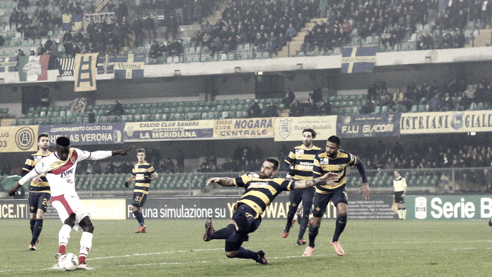 Serie B - Pari spettacolare tra Verona e Benevento: 2-2 al Bentegodi