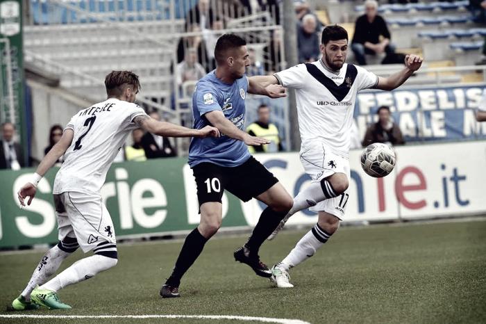 Serie B - Il Brescia vede la salvezza: battuto il Novara 2-3 al Piola