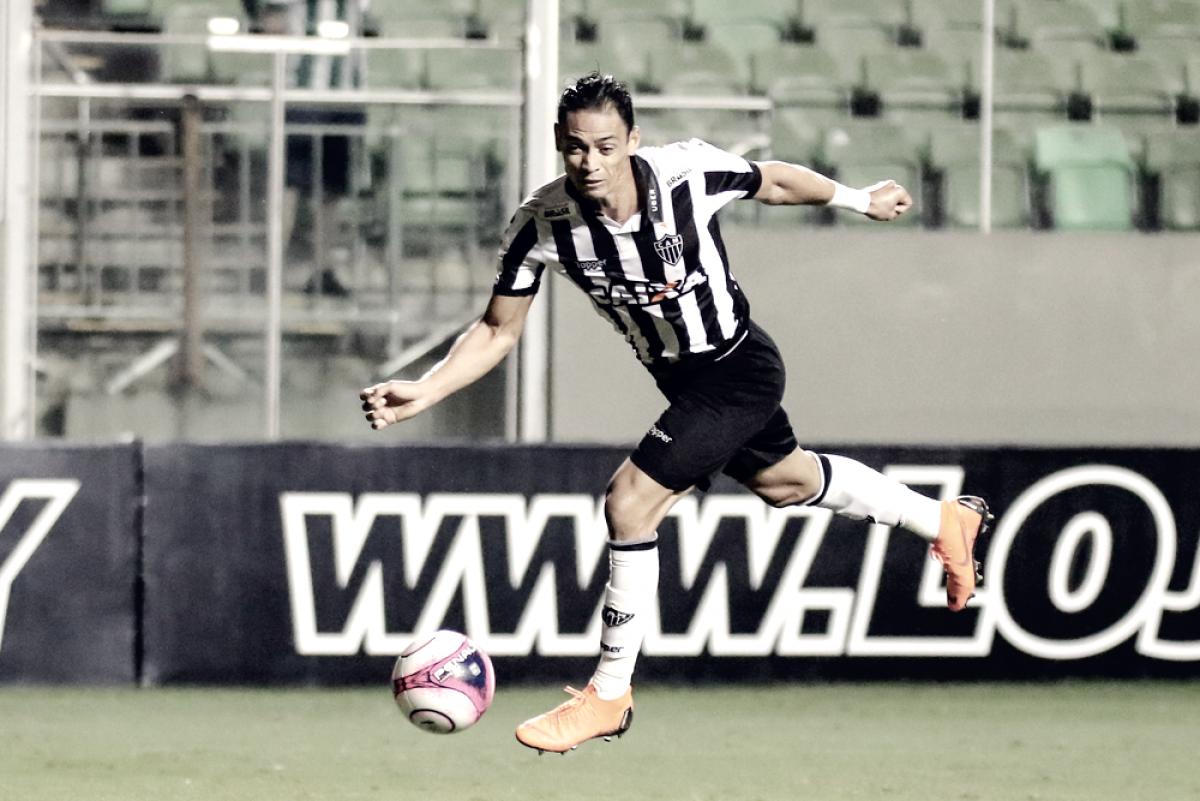 Ricardo Oliveira descarta 'jogar com o regulamento debaixo do braço' contra América-MG
