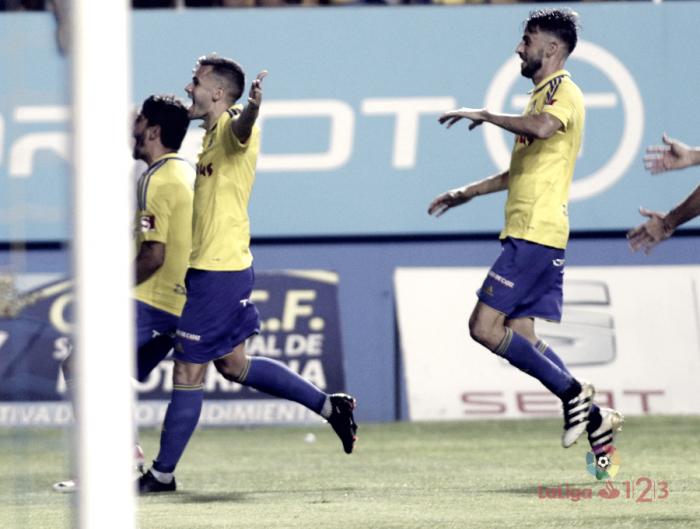 Cádiz bate Tenerife pelo placar mínimo e sai com vantagem nas semifinais dos playoffs de acesso