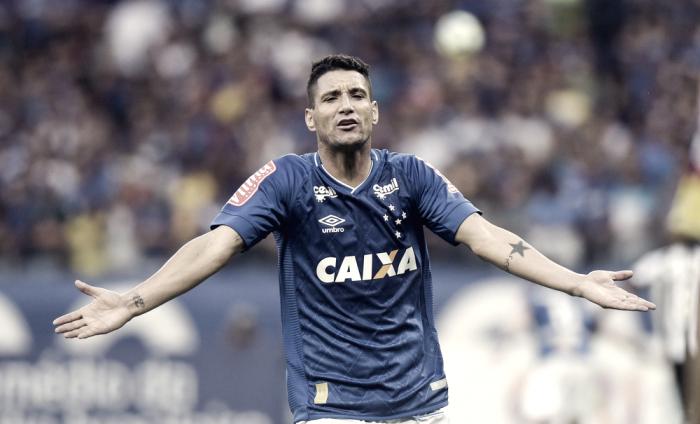 """Thiago Neves destaca empenho do Cruzeiro, mas lamenta empate: """"Chateado pelo resultado"""""""