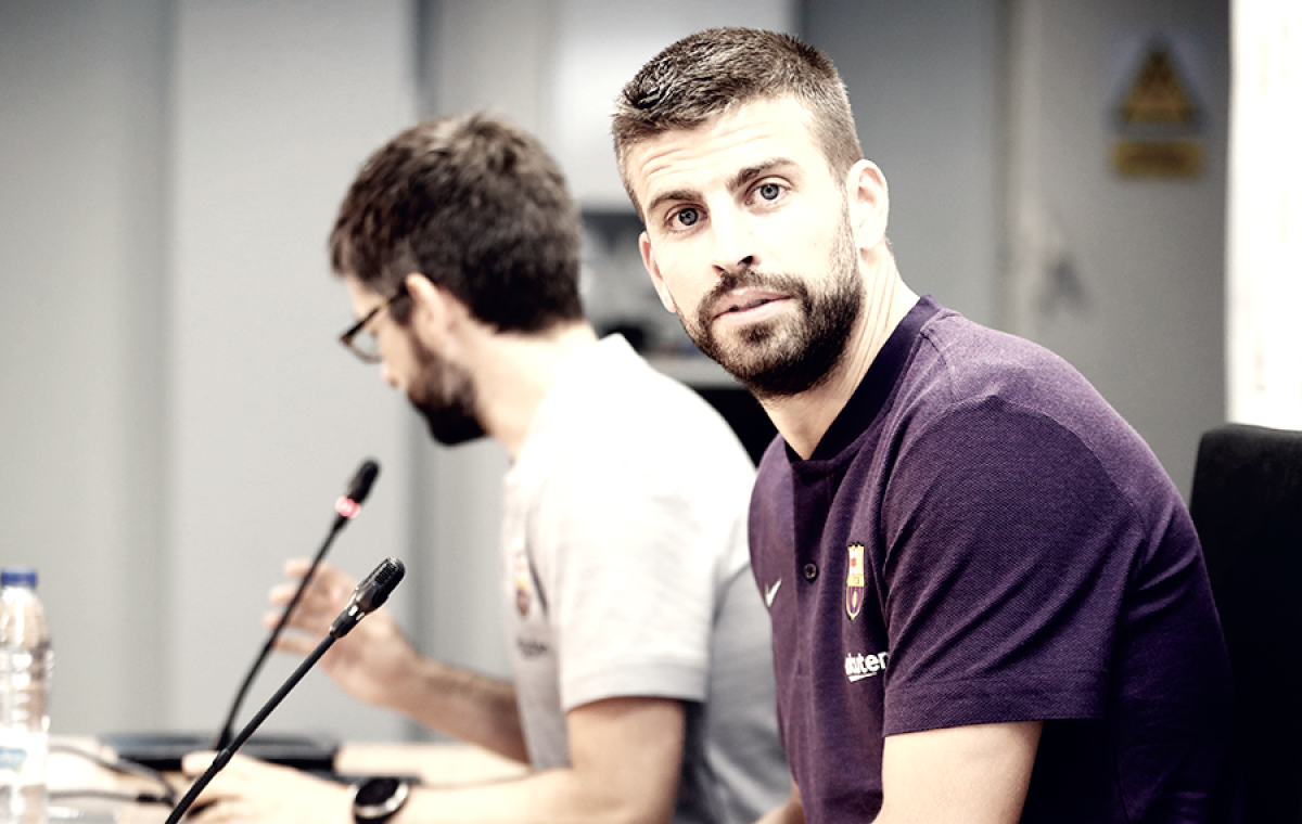 """Piqué oficializa aposentadoria da seleção espanhola: """"Pensei cuidadosamente"""""""