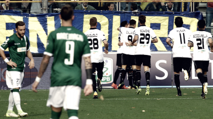 Serie B - Il Parma ingrana la terza: battuto l'Avellino 2-0