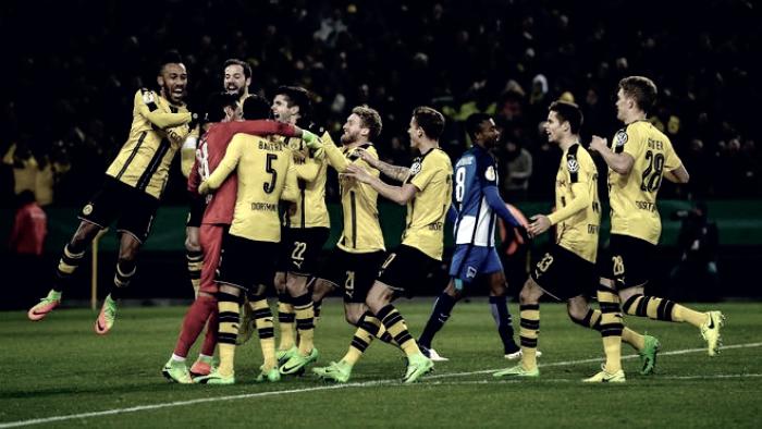 DFB Pokal - Schalke 04 sul velluto, passano a fatica Dortmund e Francoforte