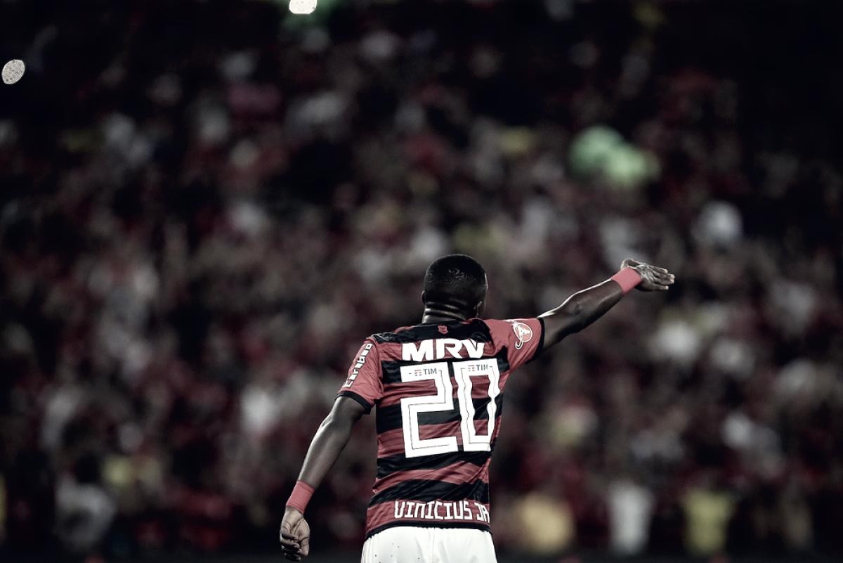 Vinicius Jr completa primeiro ano como profissional no Flamengo cercado de expectativas