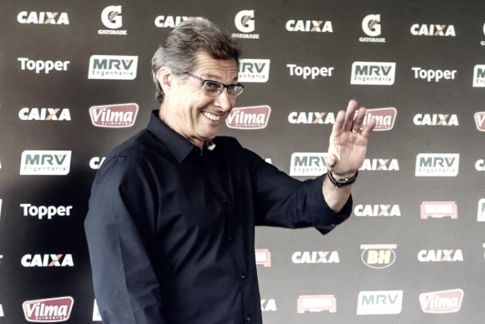 Oswaldo pede apoio do torcedor do Atlético-MG em sua primeira partida no Independência
