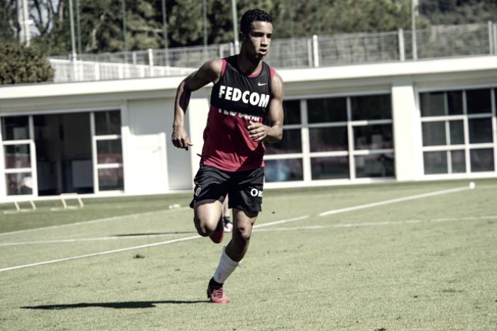 Titular na lateral-esquerda do Monaco, Jorge comemora adaptação