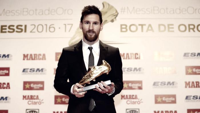 Barcellona - Leo Messi riceve la sua quarta Scarpa d'Oro