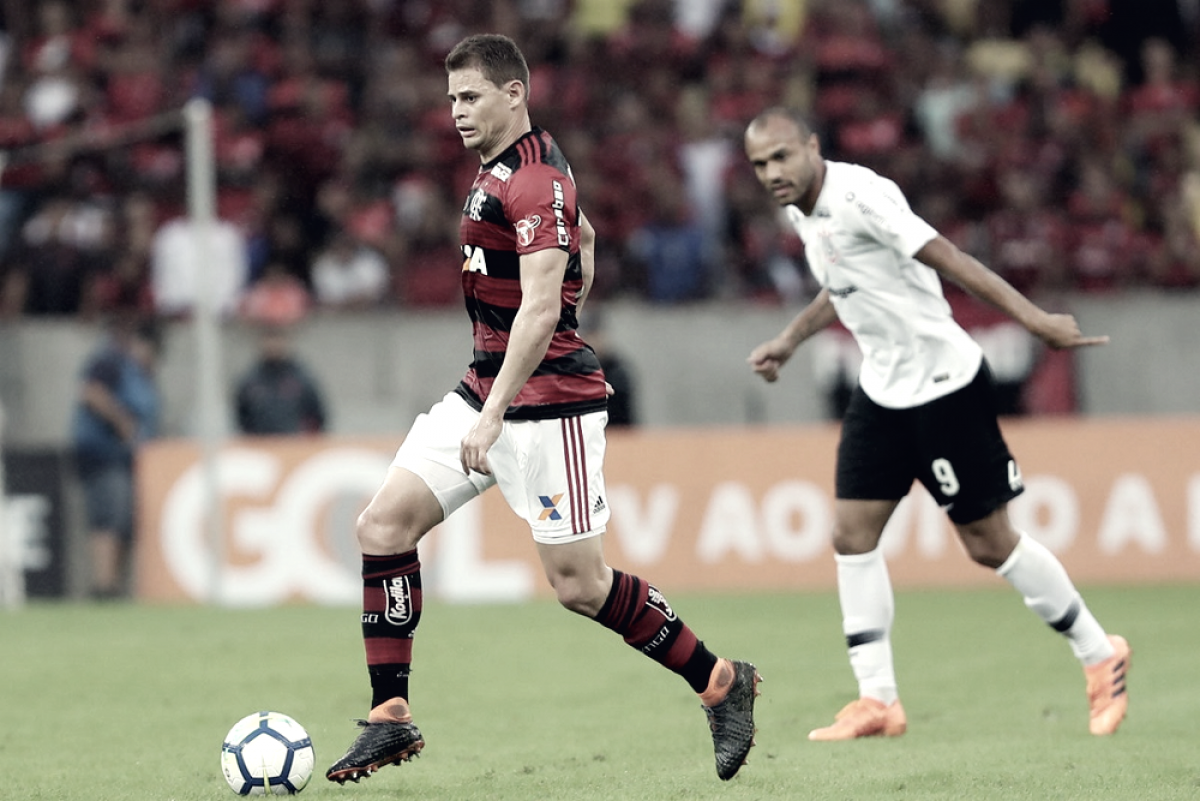 Volante Jonas deixa Flamengo rumo à Arábia Saudita