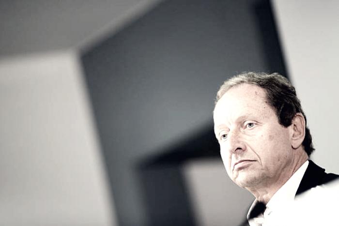 Supervisor do VAR na Alemanha, Hellmut Krug é demitido após suspeita de favorecimento