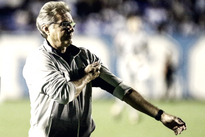 Oswaldo critica atuação do Atlético-MG e parabeniza Londrina por título da Primeira Liga