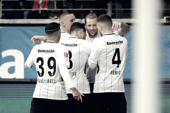 Em excelente atuação, Eintracht Frankfurt vence Colônia e volta à zona da Champions League