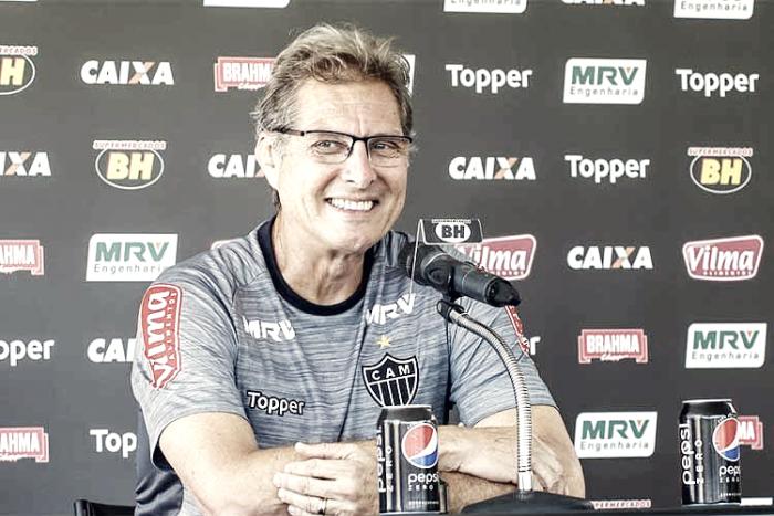 Oswaldo elogia contratações e lamenta saídas de medalhões no Atlético-MG