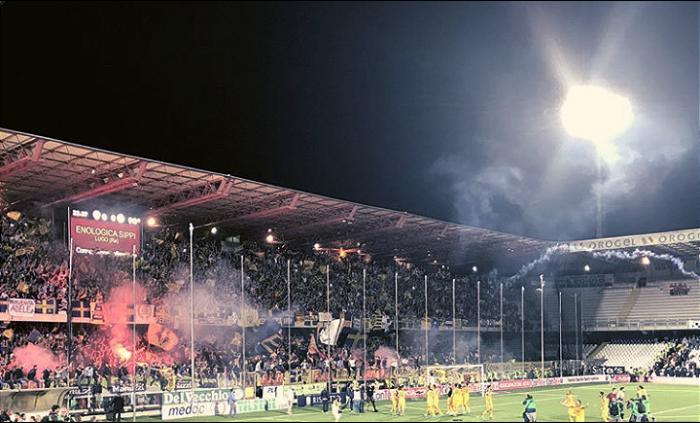 Serie B - Il Verona pareggia a Cesena ed è promosso in Serie A