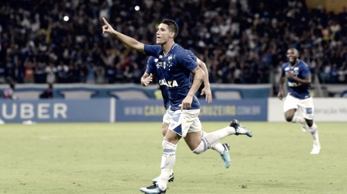 """Após vitória, Thiago Neves enaltecepermanência no Cruzeiro: """"Feliz demais com a decisão"""""""